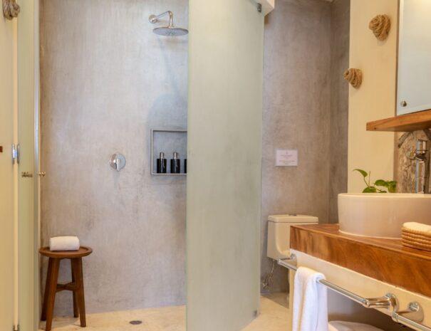 #4 Bathroom